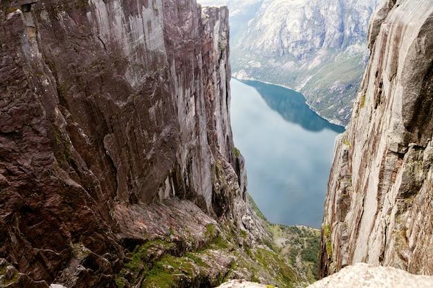 Vue sur le fjord norvégien Photo Premium