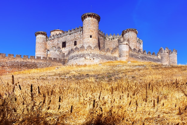Vue générale du château de belmonte Photo gratuit
