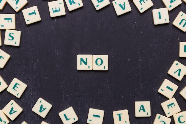 Vue Grand Angle Sans Mot Avec Lettres Scrabble Photo gratuit