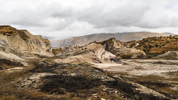 Vue Imprenable Sur Les St-bathans Dans L'île Du Sud, Nouvelle-zélande Photo gratuit