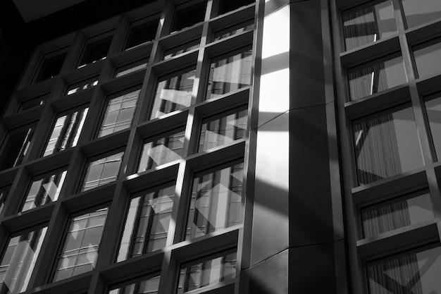 Vue intérieure d'un immeuble de bureaux Photo gratuit