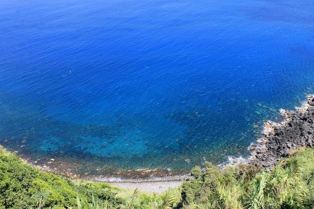 Vue sur la mer aux açores au portugal Photo Premium