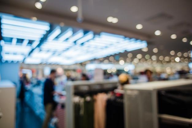 Vue non éclairée du magasin de vêtements Photo gratuit