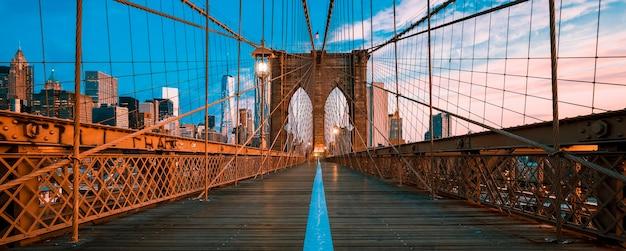 Vue Panoramique Du Pont De Brooklyn à Manhattan, New York Photo Premium