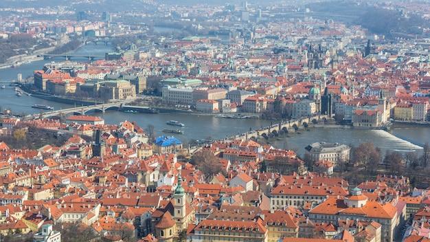 Vue panoramique de prague, du pont charles et de la vltava Photo Premium