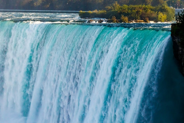 Vues fantastiques sur les chutes du niagara, ontario, canada Photo Premium