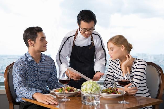 couple waitress restaurant Threesome