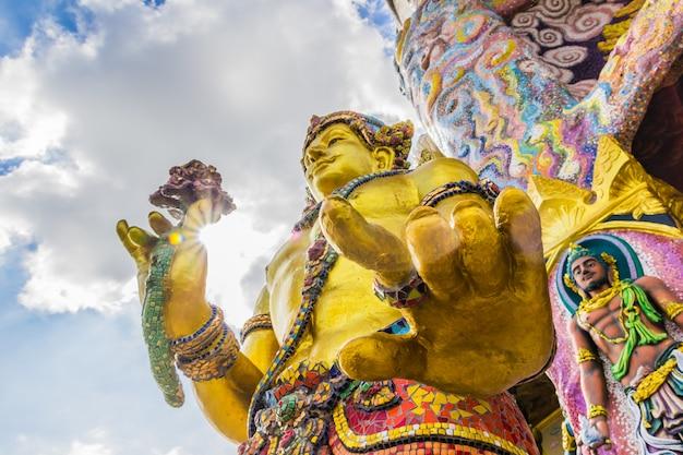 Wat ban rai, province de nakhon ratchasima, thaïlande Photo Premium
