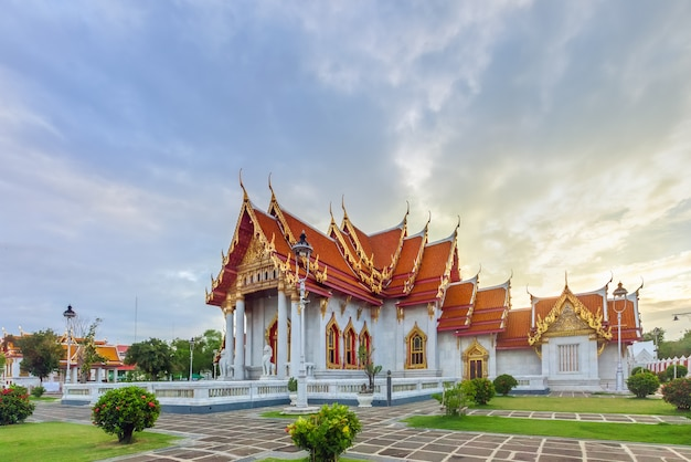 Wat Benchamabophit Dusitvanaram Ou Temple De Marbre à Bangkok, Thaïlande Photo Premium