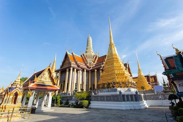 Wat phra kaew ancien temple de bangkok thaïlande Photo Premium