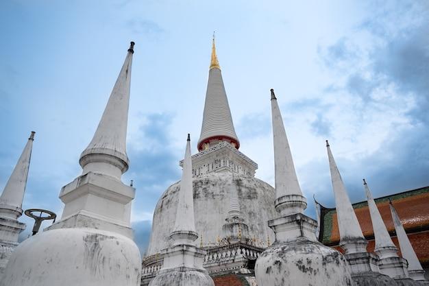 Wat Phra Mahathat Nakhon Si Thammarat Province Thaïlande Photo Premium