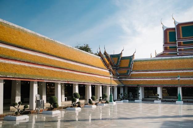 Wat suthat thepwararam thaï templ bangkok thaïlande Photo gratuit