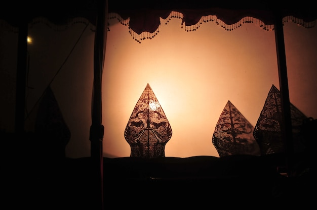 Wayang kulit est la culture javanaise de l'indonésie Photo Premium