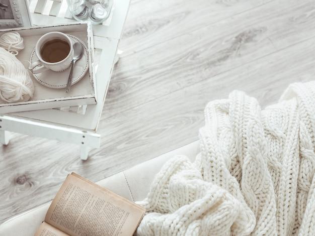Week-end d'hiver dans le canapé Photo Premium
