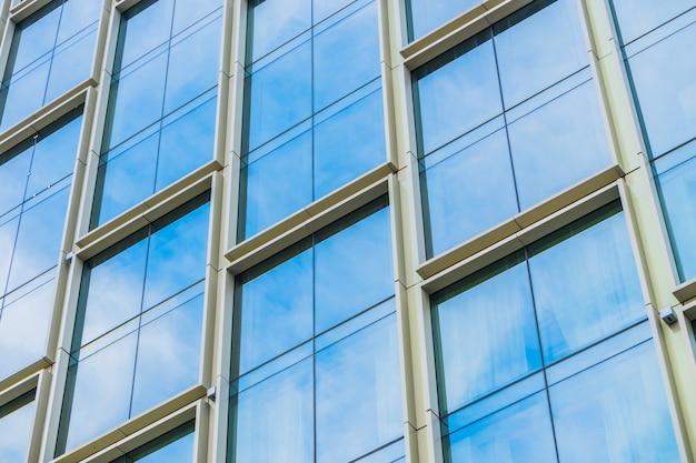 Windows dans un bulding Photo gratuit