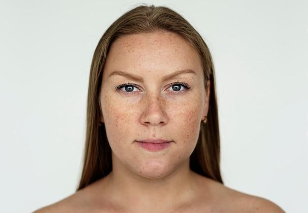 Worldface- femme russe sur fond blanc Photo gratuit