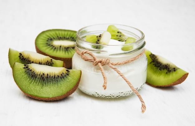 Yaourt kiwi Photo Premium