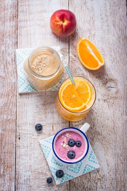 boissons saines pour le petit déjeuner Photo gratuit