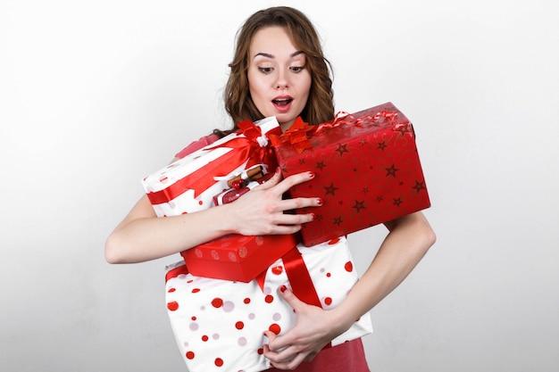 Cadeau surprise émotionnelle boîte lumineuse Photo gratuit