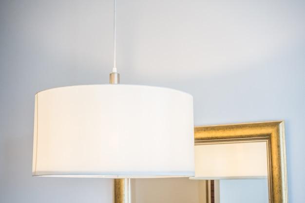 close up blanc lampe suspendue au plafond t l charger des photos gratuitement. Black Bedroom Furniture Sets. Home Design Ideas