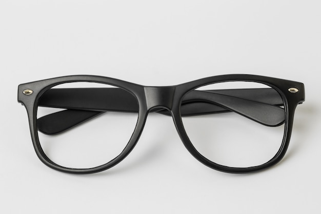 cool lunettes de soleil isol sur fond blanc vue de dessus t l charger des photos gratuitement. Black Bedroom Furniture Sets. Home Design Ideas