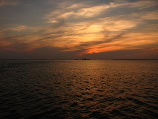 Coucher de soleil en mer plage t l charger des photos gratuitement - Coucher de soleil en mer ...