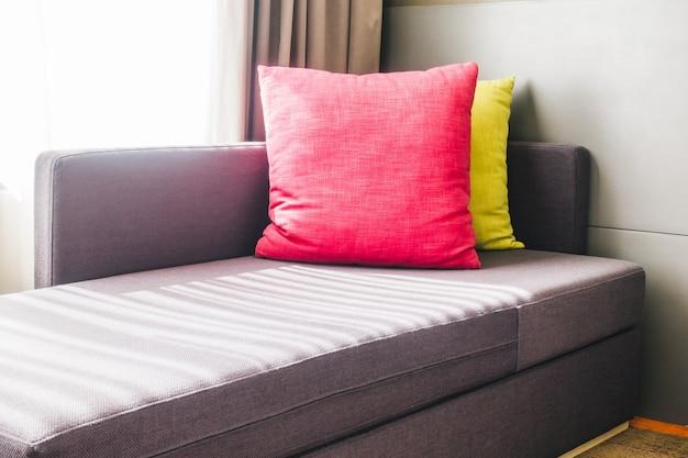 coussins color s sur le canap t l charger des photos gratuitement. Black Bedroom Furniture Sets. Home Design Ideas
