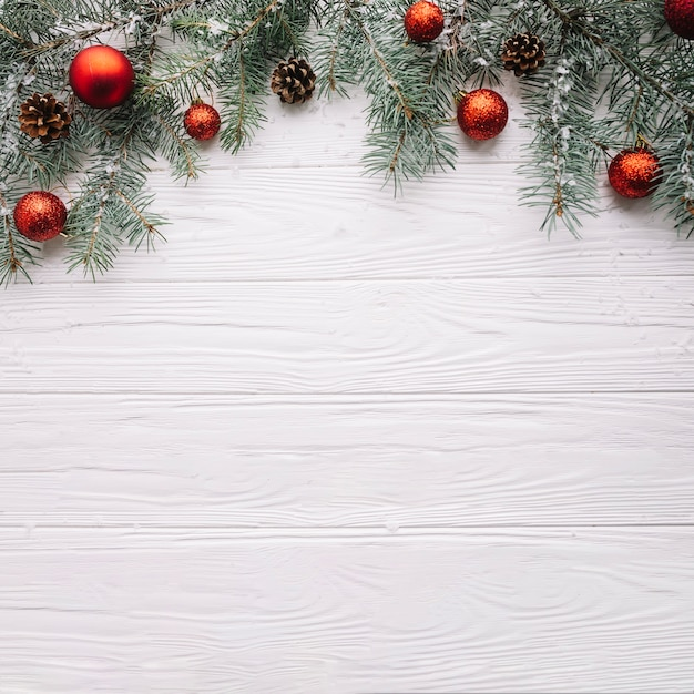 Fond de Noël avec des balles et de l'espace sur le fond Photo gratuit