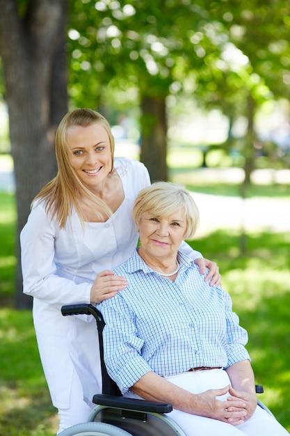 Infirmire prend photo pnis patients en sur le forum