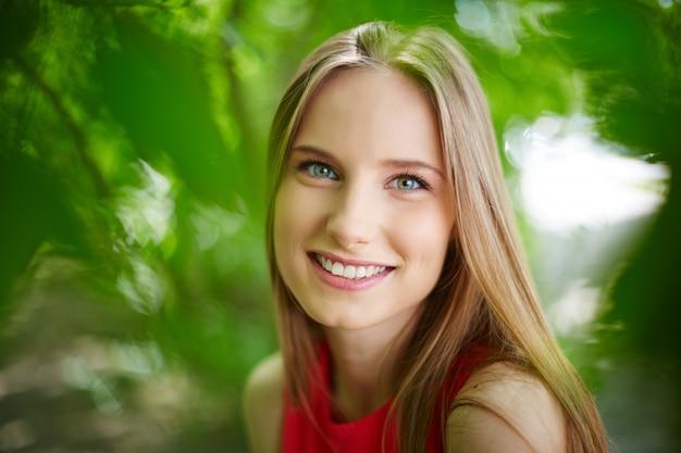 Jeune femme avec un grand sourire t l charger des photos gratuitement - Image sourire gratuit ...