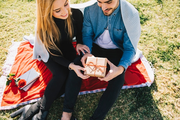 cadeau anniversaire jeune couple