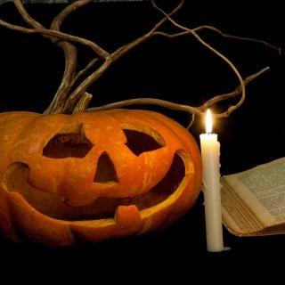 Challenge mini pot-pourri de l'automne Livre-citrouille-halloween_19-136312