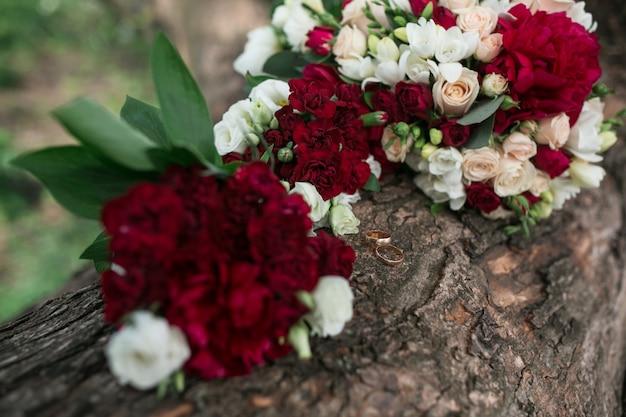 Assez Magnifique bouquet de fleurs blanches et rouges | Télécharger des  LX86