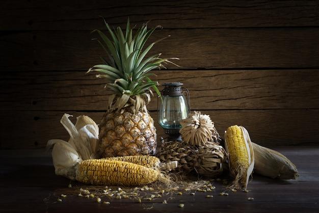 Nature Morte Fruits Secs Avec Lampe T 233 L 233 Charger Des