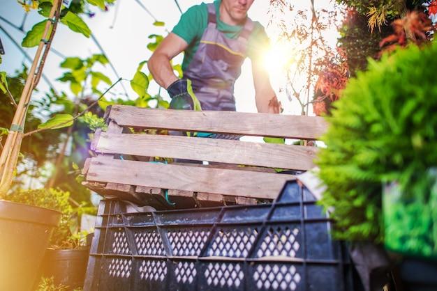Nettoyage de printemps effet de serre t l charger des for Nettoyage jardin printemps