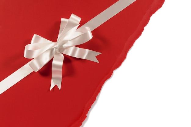 papier cadeau rouge avec noeud d coratif t l charger des photos gratuitement. Black Bedroom Furniture Sets. Home Design Ideas