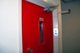 porte de l 39 ascenseur rouge t l charger des photos. Black Bedroom Furniture Sets. Home Design Ideas