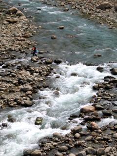 rivière de montagne, linge