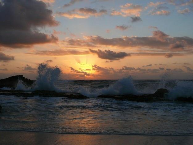 Soleil mer plage de surf des vagues oc aniques coucher du - Heure de lever et de coucher du soleil ...