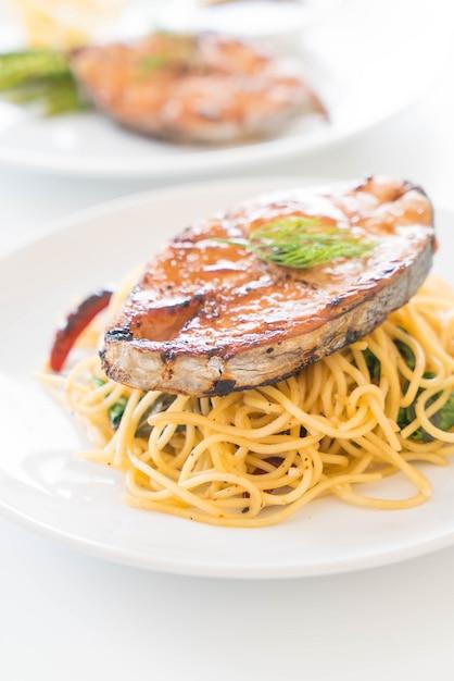 Spaghetti au maquereau grill t l charger des photos gratuitement - Maquereau grille au four ...
