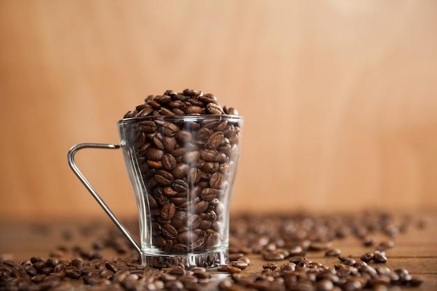 Tasse En Verre Transparent Rempli De Grains De Café
