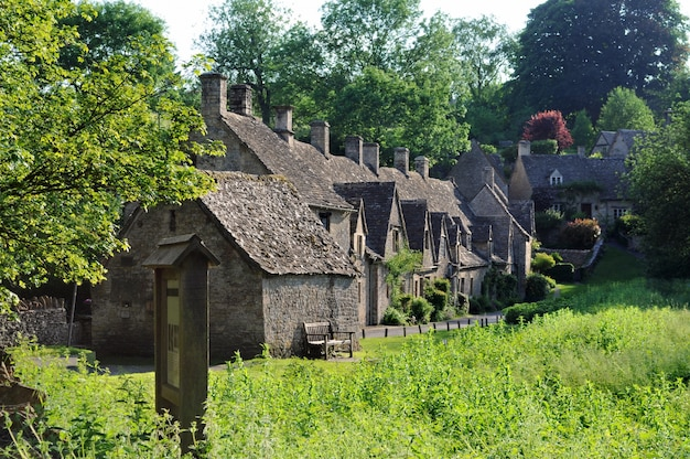 Traditionnelles vieilles maisons dans la campagne anglaise for Photo campagne anglaise