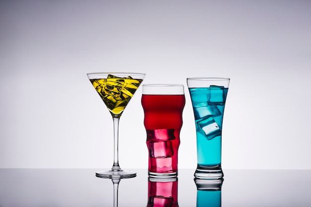 Trois cocktails Photo gratuit