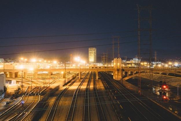 Ville clair e la nuit t l charger des photos gratuitement for Piscine eclairee la nuit