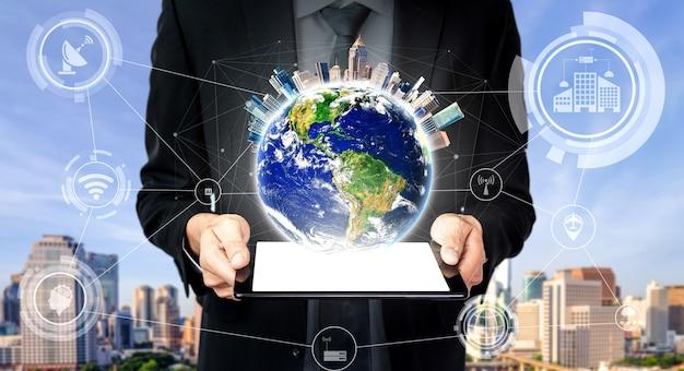 Tecnologia di comunicazione 5g rete internet wireless per la crescita del business globale, social media Foto Premium