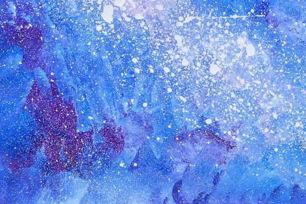 Pittura acrilica del fondo astratto con i colori blu, porpora e bianchi. Foto Premium