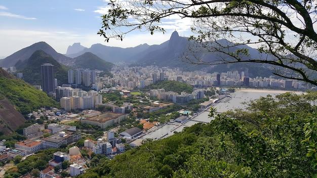 Vista aerea della città di rio de janeiro in brasile. Foto Premium