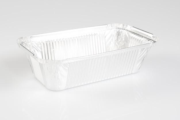 Un contenitore in alluminio per ricevere cibo e conservarlo Foto Premium