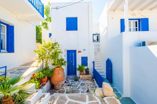 Splendida vista lungo la strada greca del sole Foto Premium