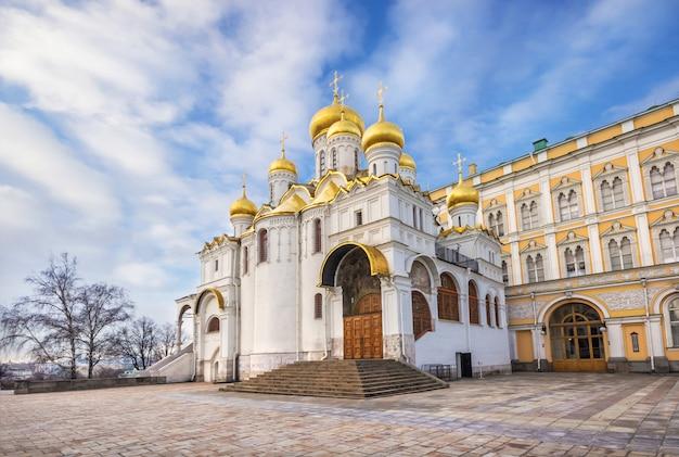 Cattedrale dell'annunciazione al cremlino di mosca Foto Premium